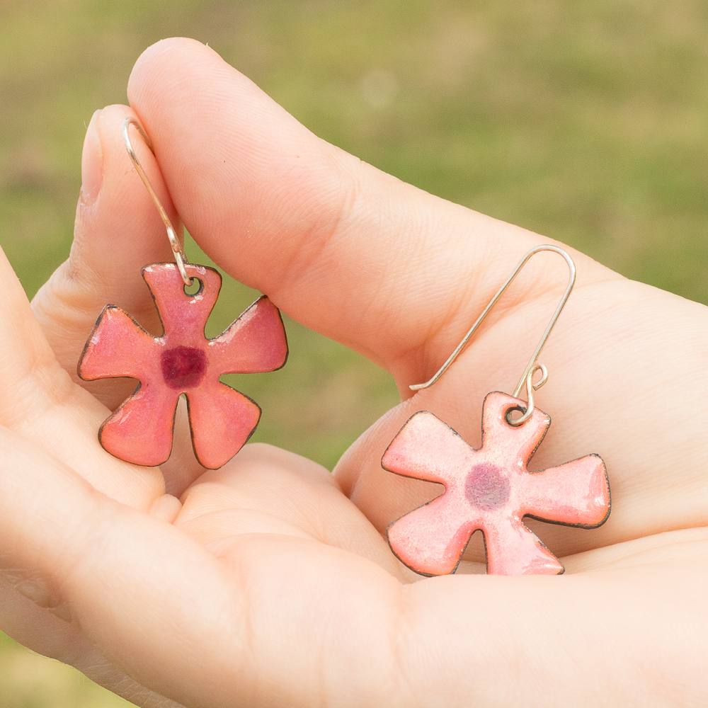 pieza pendientes flor esmalte catalogo