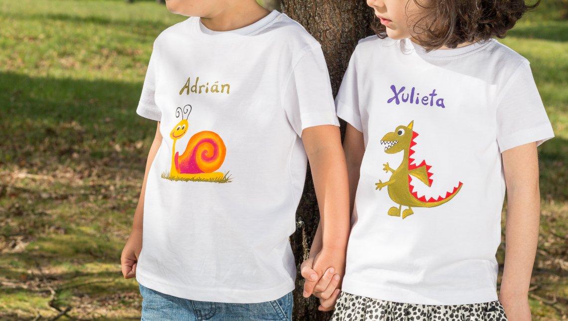 4739cfc44 Camisetas pintadas a mano – Como pez en el agua